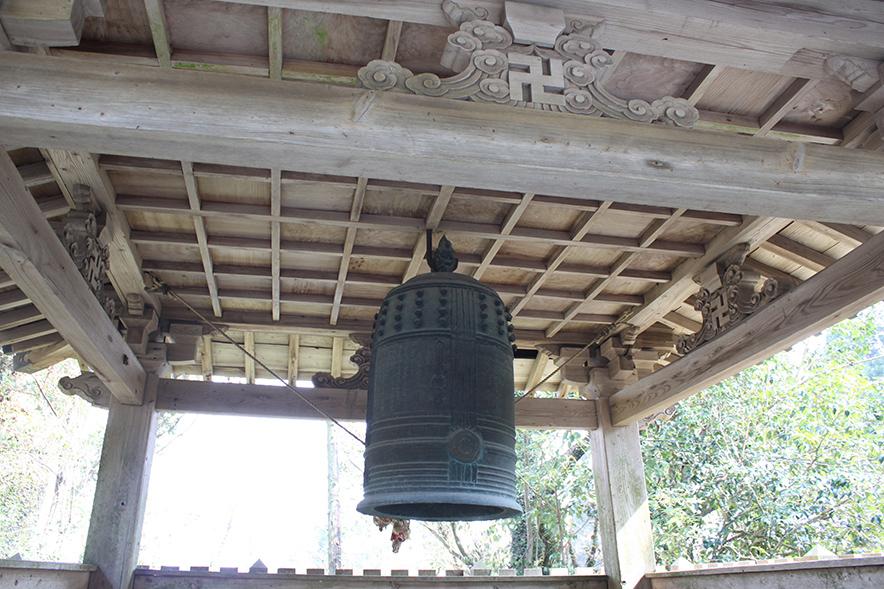 東霧島神社の神石
